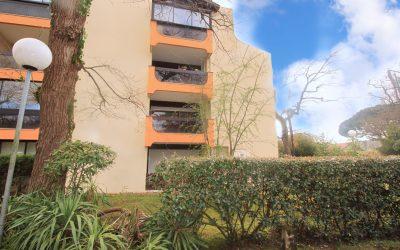 VENDU – ANDERNOS – Appartement vintage idéalement situé dans le centre-ville